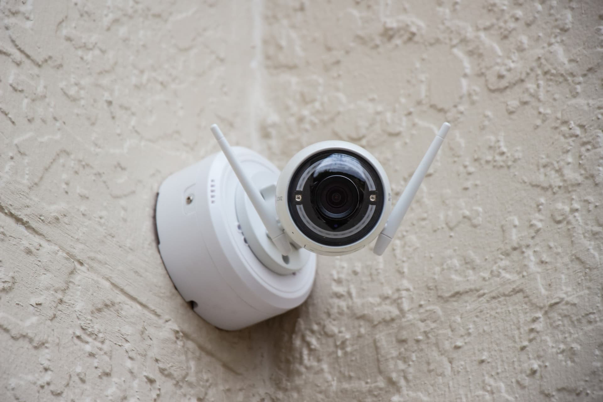 How to make your home more Secure by Hiring SECURITY COMPANIES