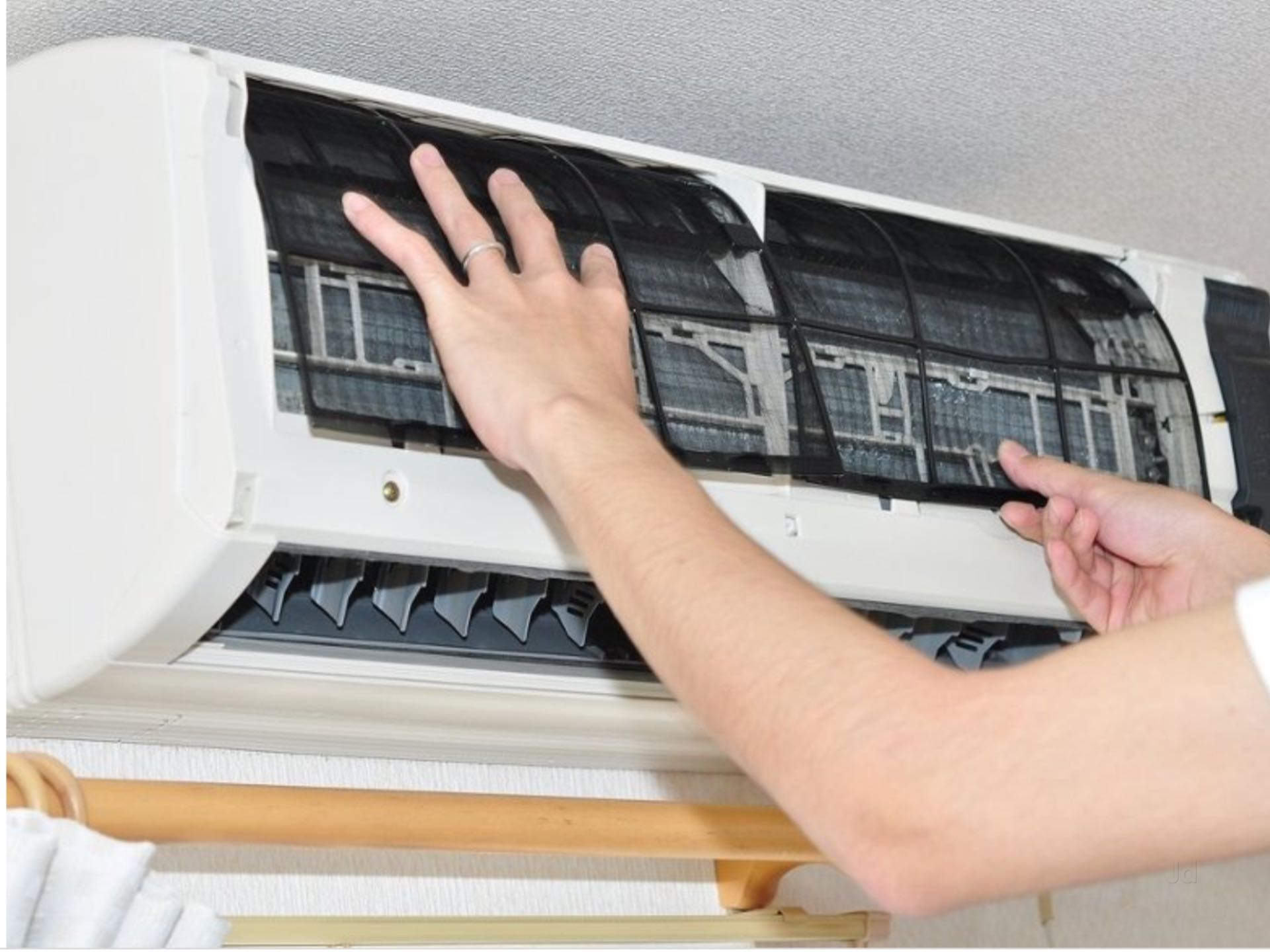Signs Denote The Requirement For AC Repair And Service