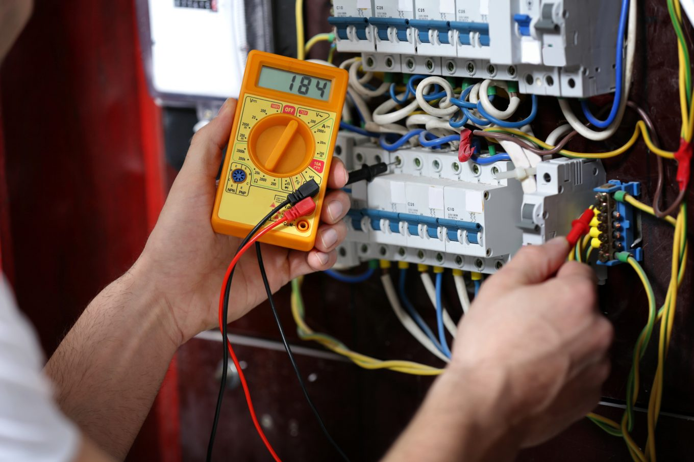 Do You Need To Hire A Dependable Electrician In Islington