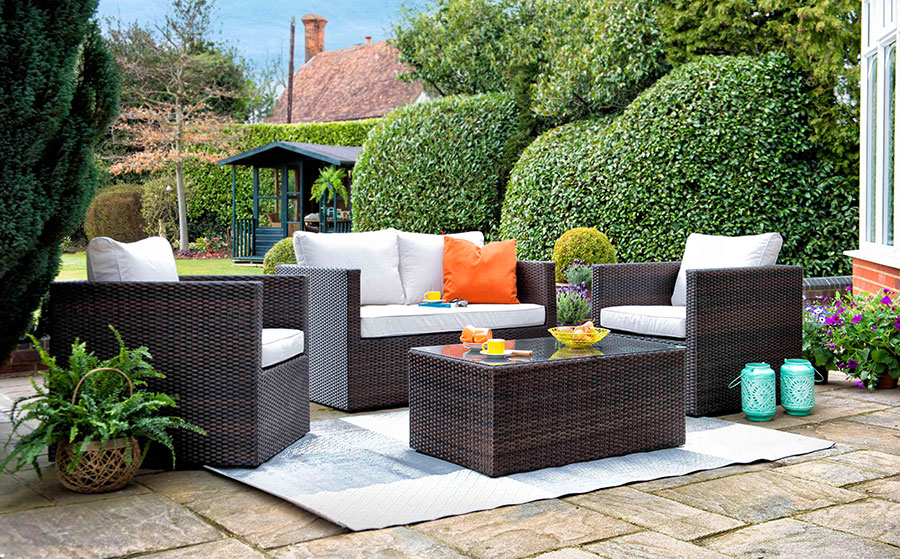 Garden Furniture Can Bring Majestic Changes In Your Social Persona!