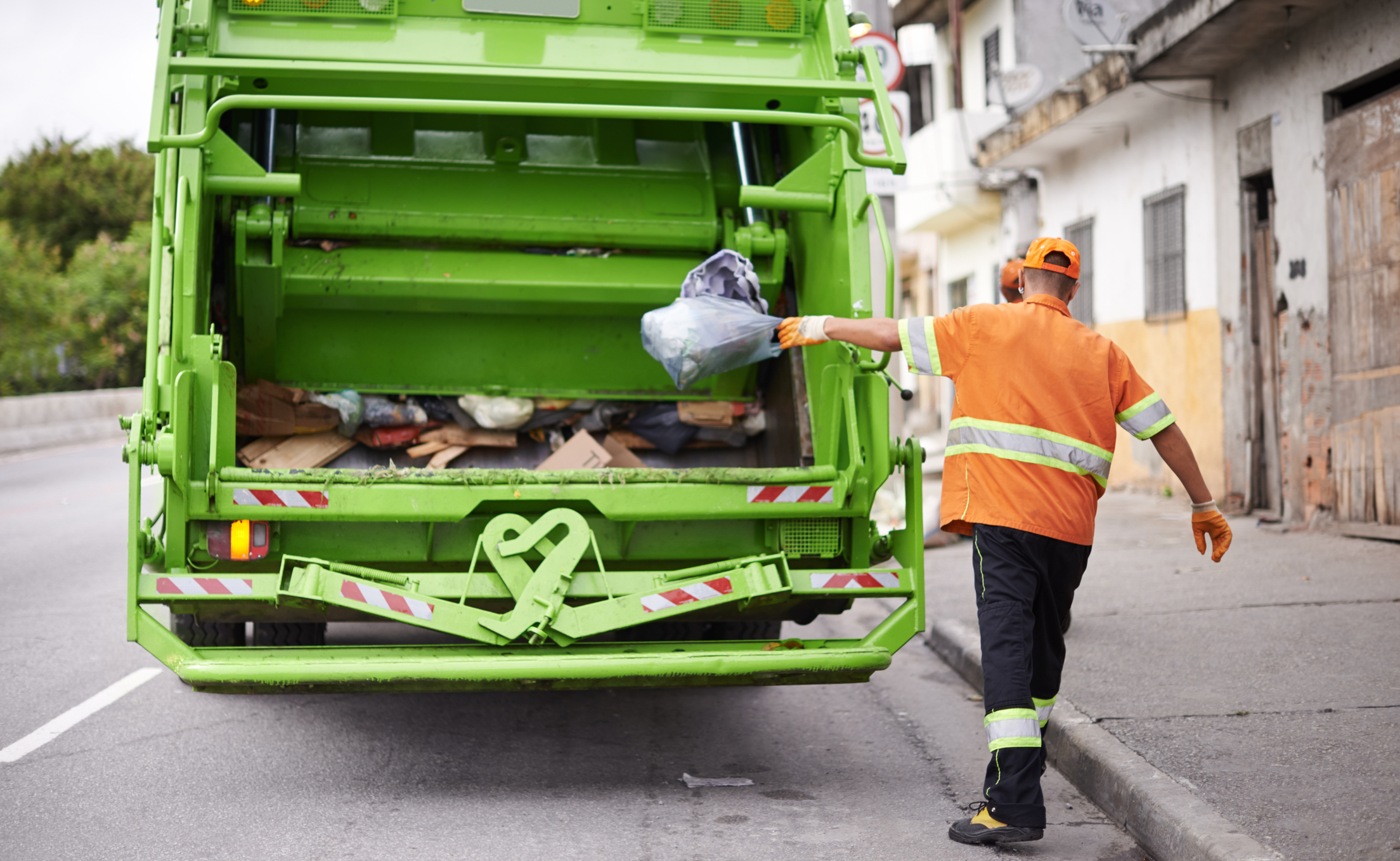 Hire The Right Skip Hire Services For Proper Waste Management