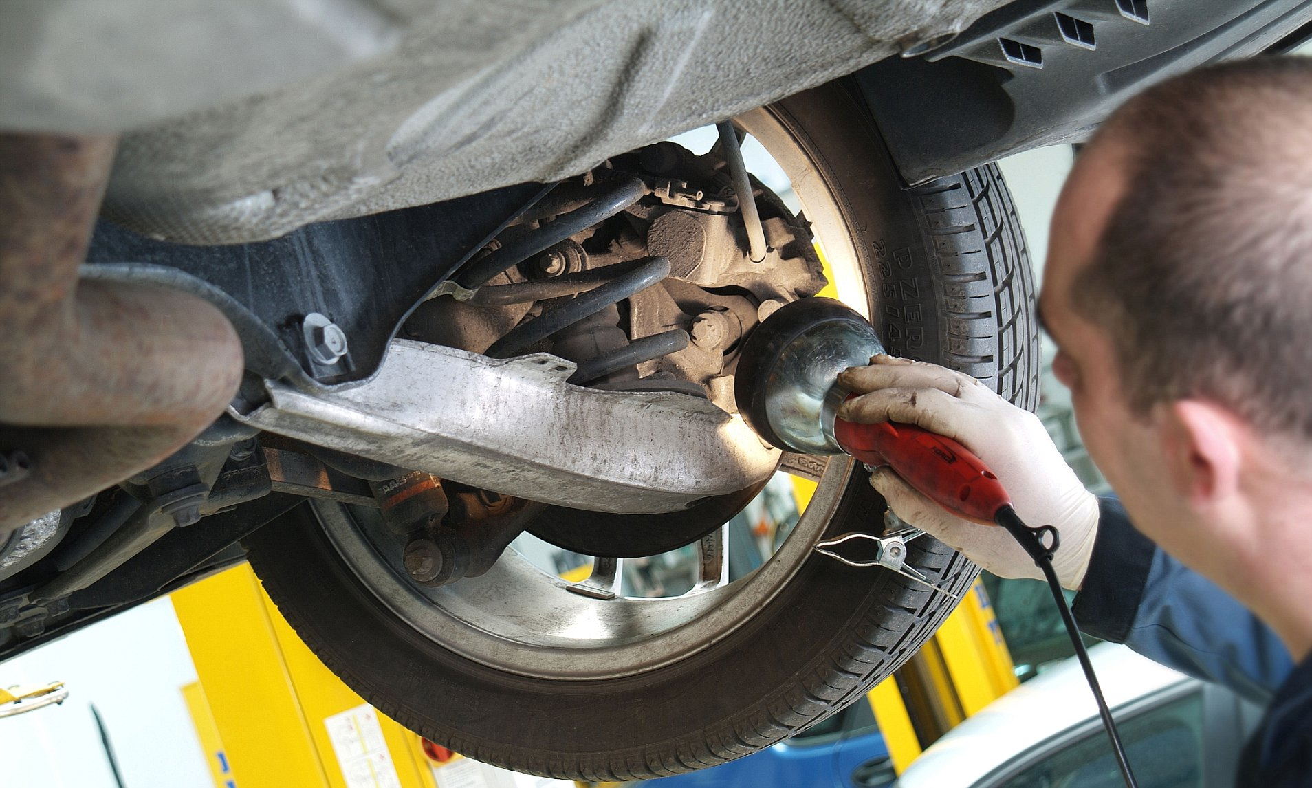 Finding The Right Garage For Servicing Or Mot Test