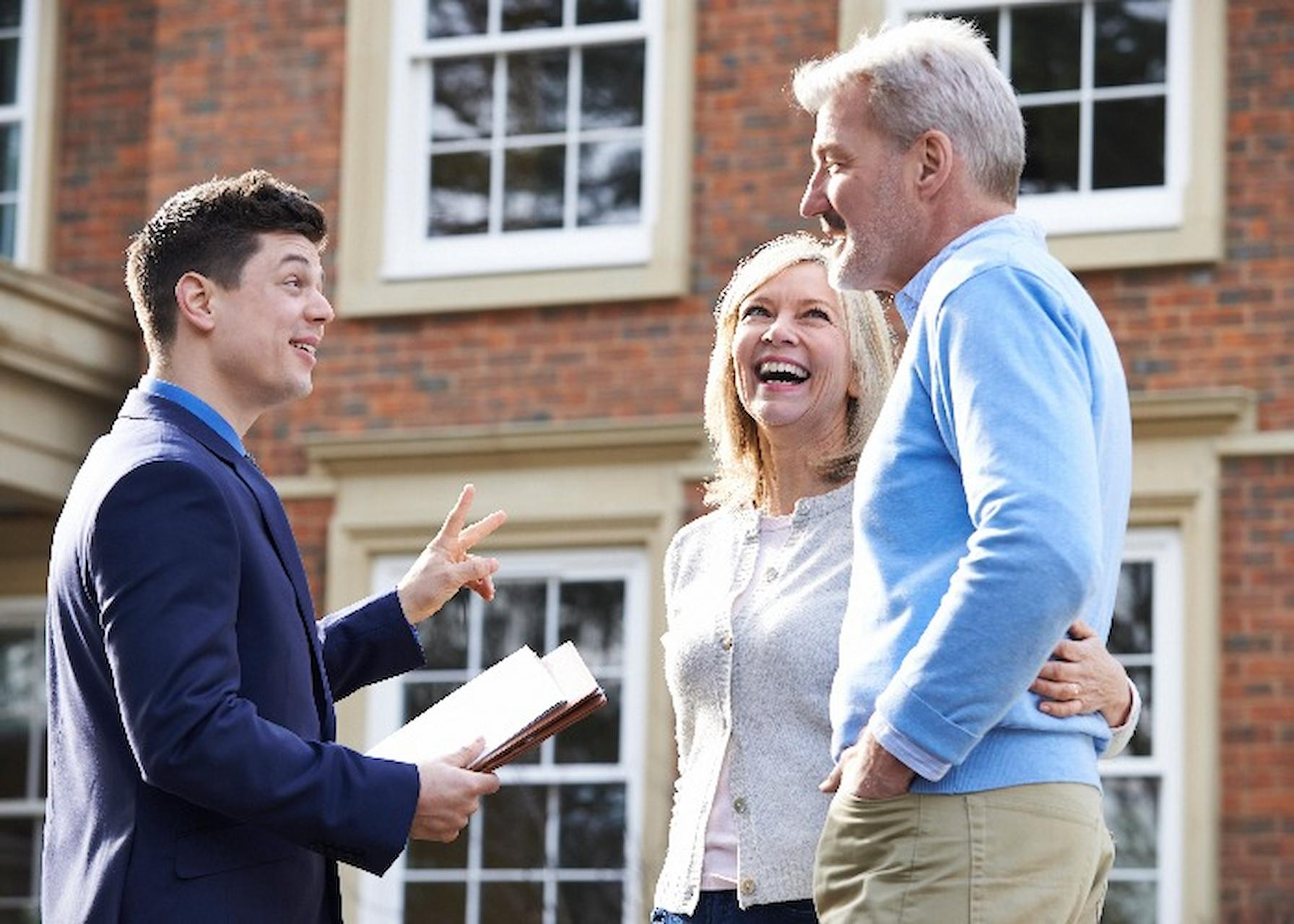 Things You Can Expect From Your Estate Agent