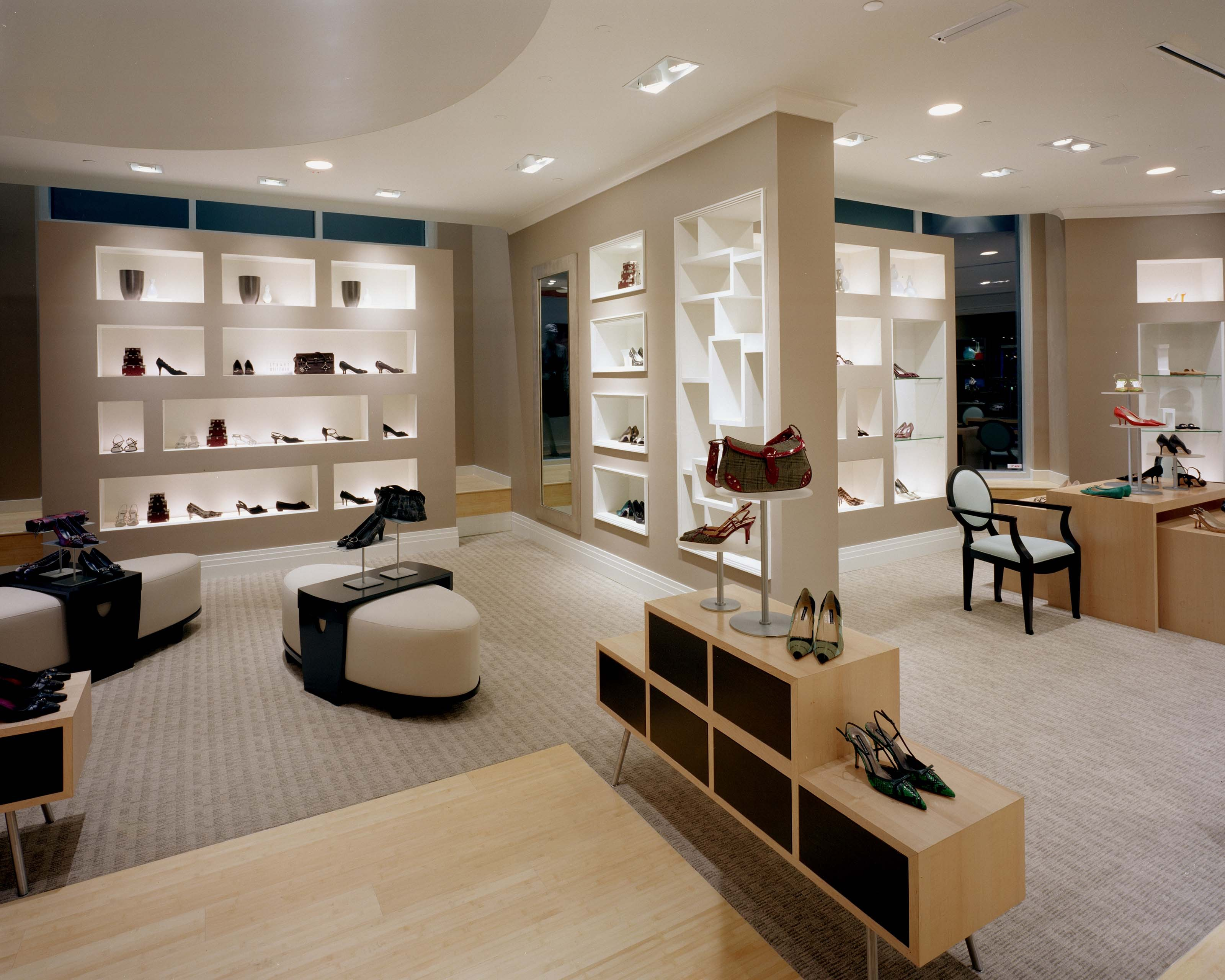 Points To Consider In Luxury Retail Interior Design