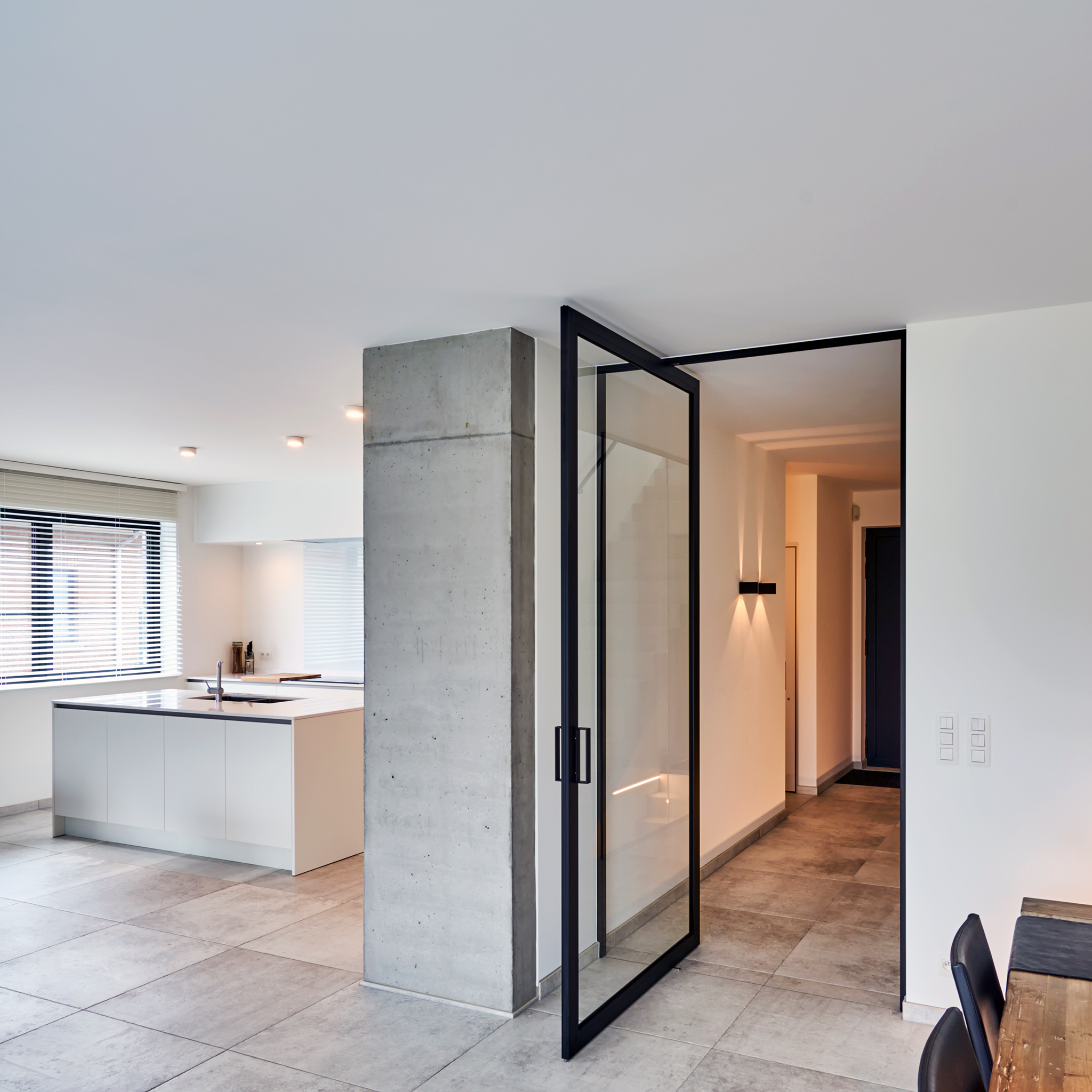 Reasons To Opt For Pivot Doors For Houses And Organizations
